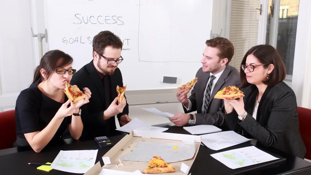 Comer pizza torna-o mais produtivo… Diz a ciência