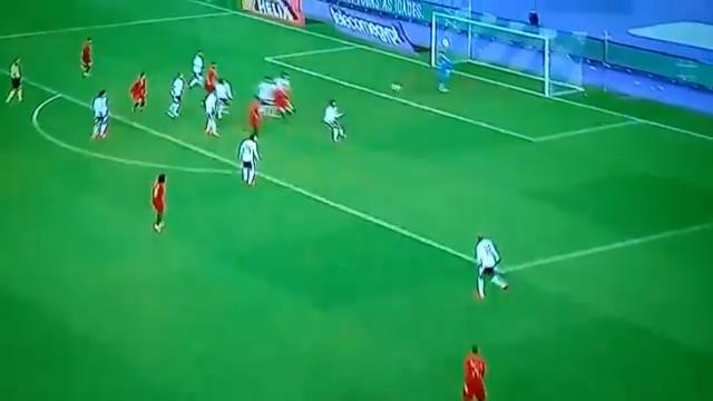Ronaldo derruba 'pirâmide' defensiva do Egipto
