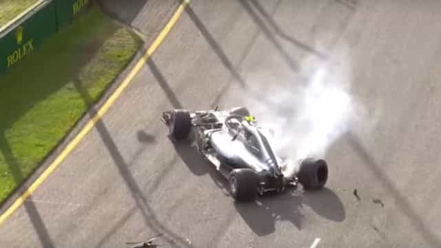 Bottas perdeu o controlo do carro e foi embater na parede