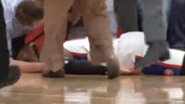 Basquetebolista cai inanimado na sequência de um ataque cardíaco