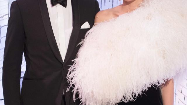 Filha mais velha de Carolina do Mónaco oficializa noivado