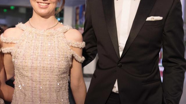 Baile da Rosa: Filha mais nova de Carolina do Mónaco junto do namorado