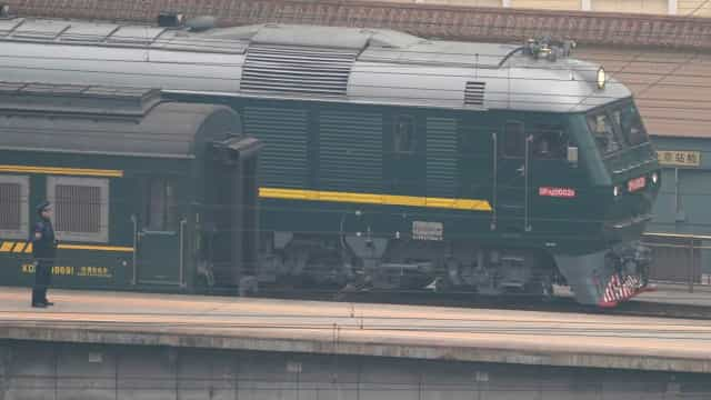 Comboio que terá transportado Kim Jong-un abandona Pequim
