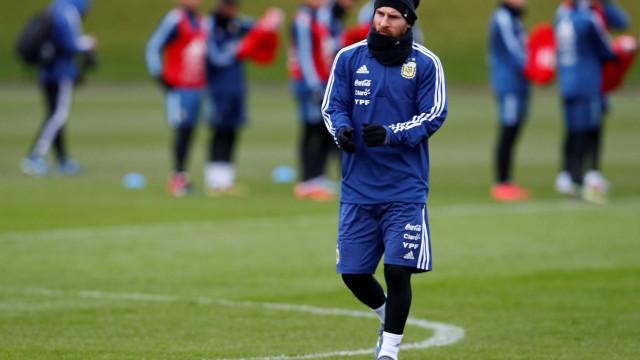 """Messi perde a paciência: """"Não devemos nada a ninguém"""""""