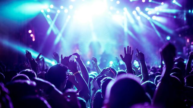 Mundo Cão estreia álbum no Festival Literário Internacional de Óbidos