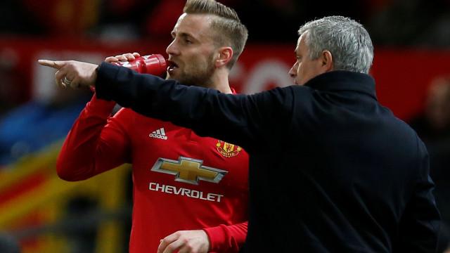 Luke Shaw perdeu a paciência com Mourinho e questionou-o