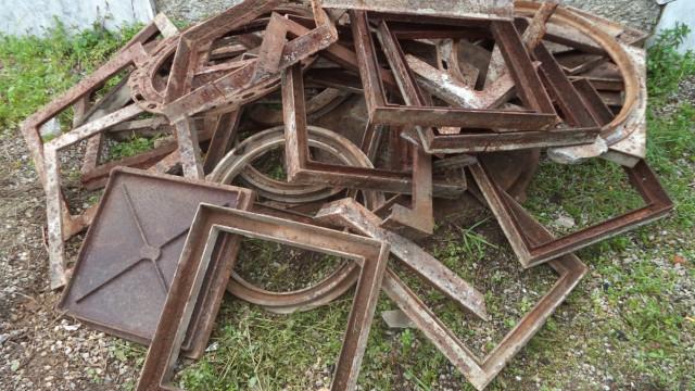 Homem detido em flagrante na posse de 300 quilos de ferro furtados