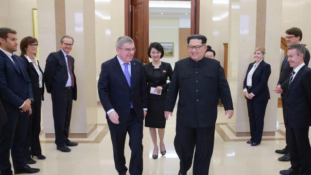 Kim Jong-un assiste a espetáculo de K-pop em Pyongyang. Foi histórico
