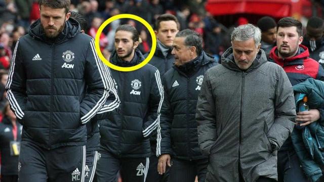 Mourinho teve direito a presença especial no banco