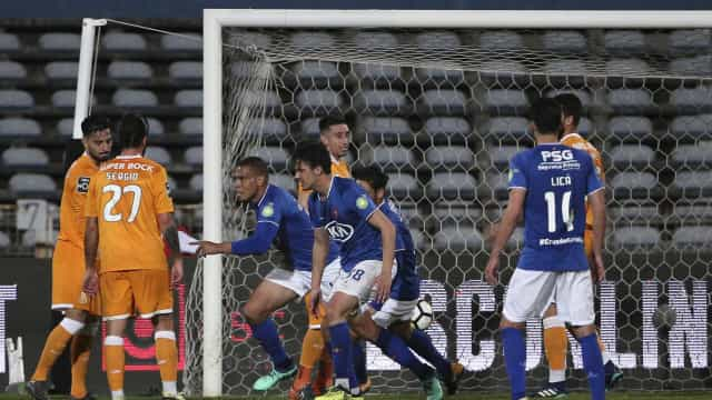 Passagem do FC Porto por Belém 'ressuscitou'... o líder Benfica