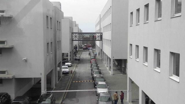 Departamento de Faculdade do Porto evacuado devido a pacote suspeito