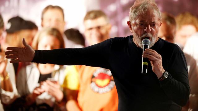 Lula recusa entregar-se à polícia