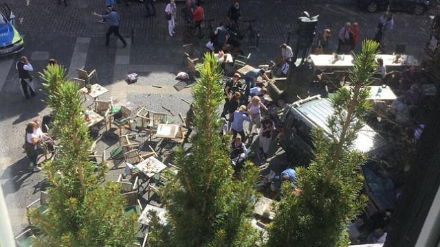 Carro avança contra multidão na Alemanha. Há vários mortos e feridos