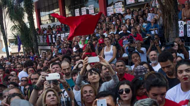 Maior central sindical pede mobilização pela libertação de Lula