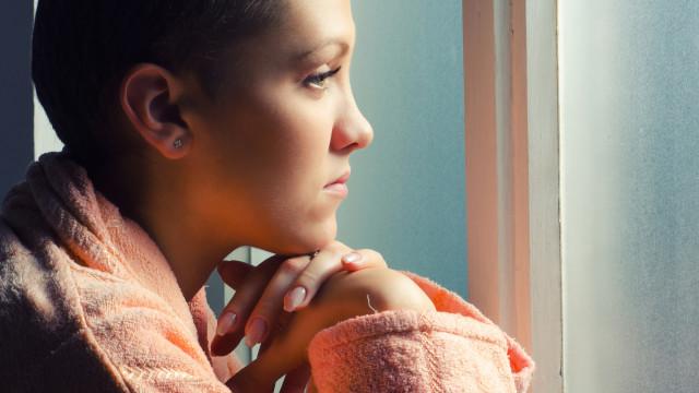 Teste de ADN poderá detetar risco de cancro à nascença