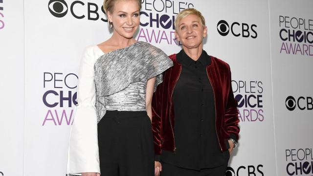 Ellen DeGeneres celebra aniversário de casamento