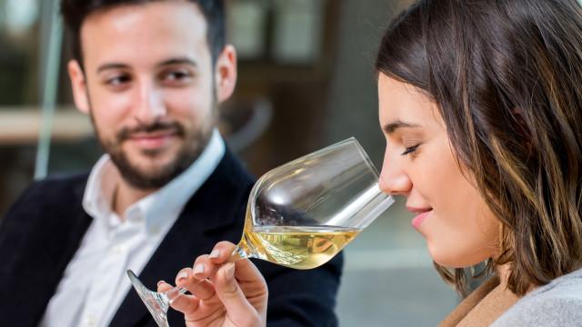 Beber vinho faz melhor ao cérebro do que estudar matemática