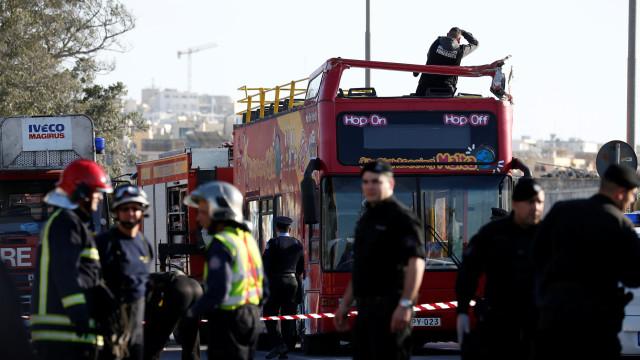 Acidente com autocarro turístico em Malta provoca dois mortos