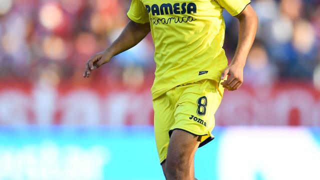 Jogador do Villarreal cai inanimado no relvado
