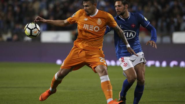 CD repreende Soares por incidente com Yebda