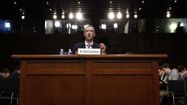 Um dia poderá haver uma versão paga do Facebook. Mas não se preocupe
