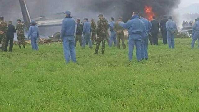 Sobe para 257 o número de mortos na queda de avião na Argélia