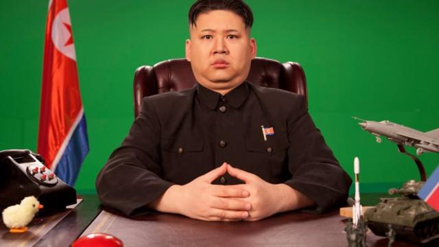 """Duplo de Kim Jong-un afirma: """"Quantas mais asneiras faz, mais recebo"""""""