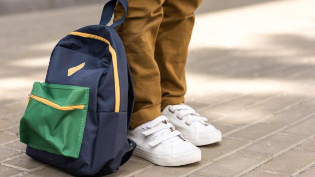 """Ministério quer mochilas mais leves. Porque """"o saber não deve pesar"""""""