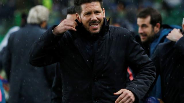 Simeone apanhado a 'rasgar' Argentina com CR7 ao barulho