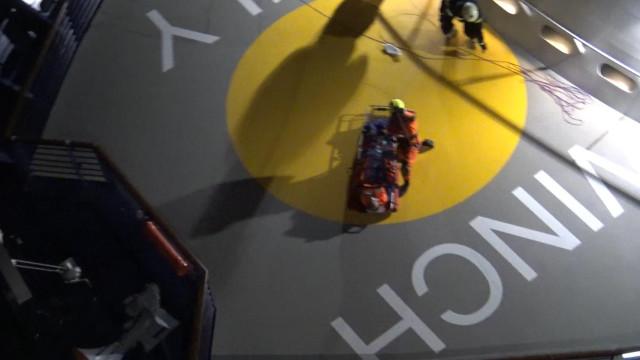 Força Aérea faz dois resgates em navios no mesmo dia