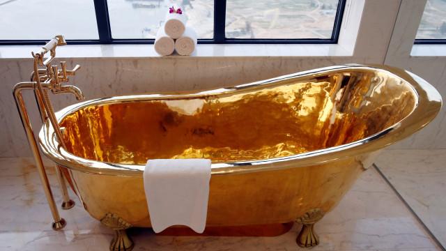 A suite presidencial no Vietname onde o ouro abunda... até na banheira