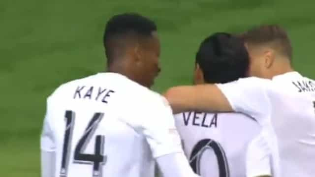 Carlos Vela marcou um golaço e festejou... à CR7