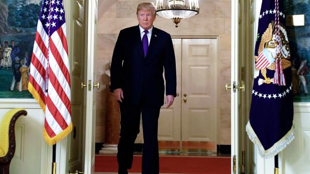 """""""Missão cumprida"""" saúda Donald Trump na rede social Twitter"""