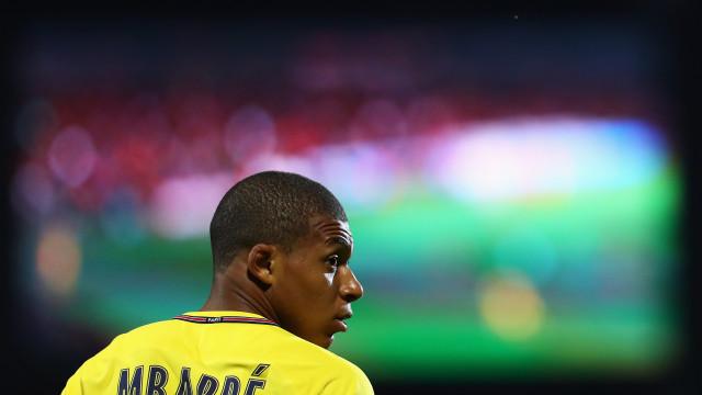 Jogador do Herbiers pede conselhos a Umtiti sobre como parar Mbappé