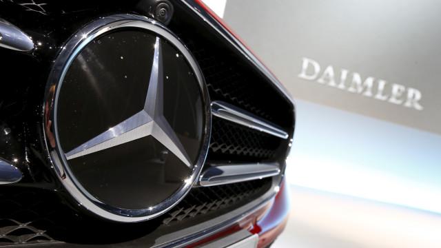 Dona da Mercedes terá de recolher 774 mil veículos no mercado europeu