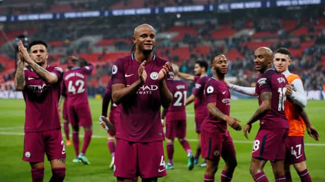 Manchester City conquista a Premier League no… sofá