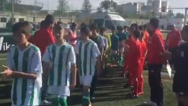 O gesto dos infantis do Sevilha com o Betis que promete correr o mundo