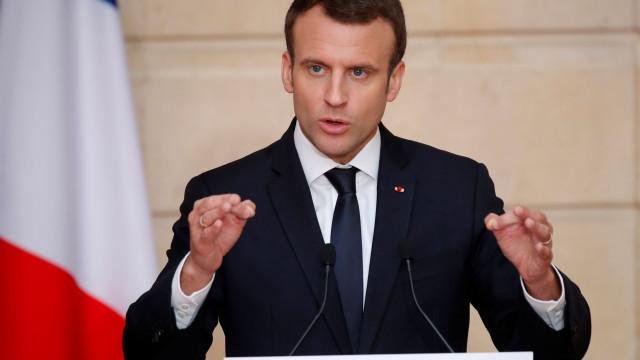 Macron justifica aumento dos combustíveis com subida do preço do petróleo