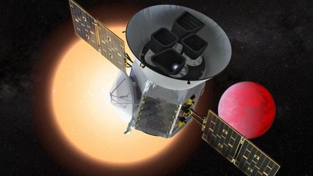 NASA e SpaceX lançam hoje satélite 'caçador' de exoplanetas