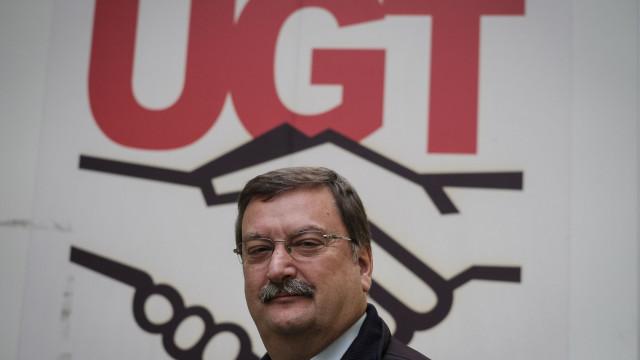 """UGT acusa patrões de olharem para turismo como """"galinha de ovos de ouro"""""""
