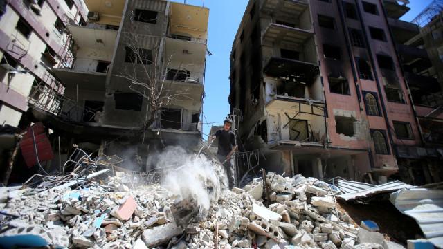 Síria: OPAQ não deteta gás sarin em vítimas e locais em Douma