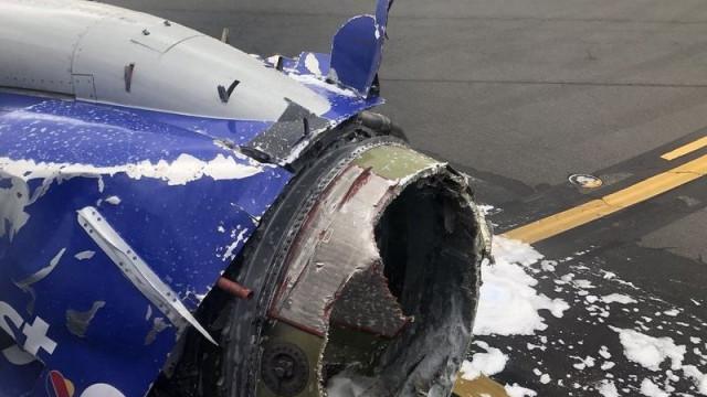 Avião aterra de emergência nos EUA após um dos motores ficar destruído