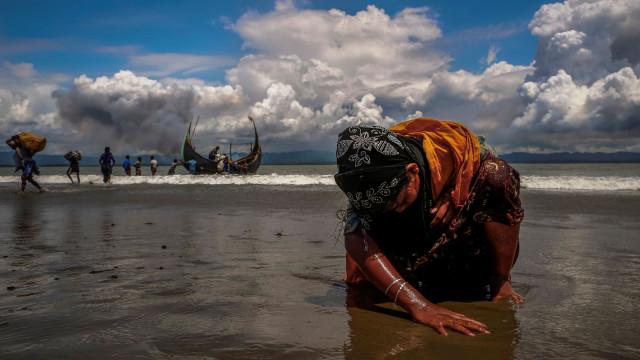 Mulher fala de mortes, violação e gravidez às mãos de soldados de Myanmar