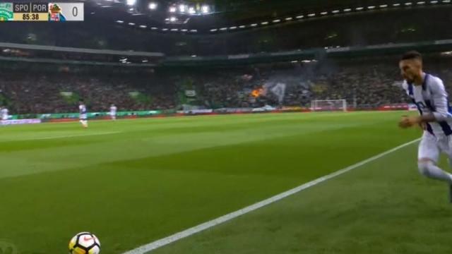 FC Porto até marcou em Alvalade... mas Felipe estava em fora de jogo