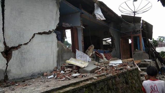 Sismo de 4.4 na Indonésia provoca três mortos e mais de 20 feridos