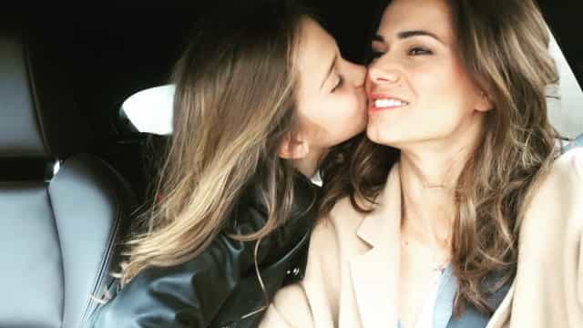 """""""Quem resiste"""" à nova foto da filha de Cláudia Vieira e Pedro Teixeira?"""