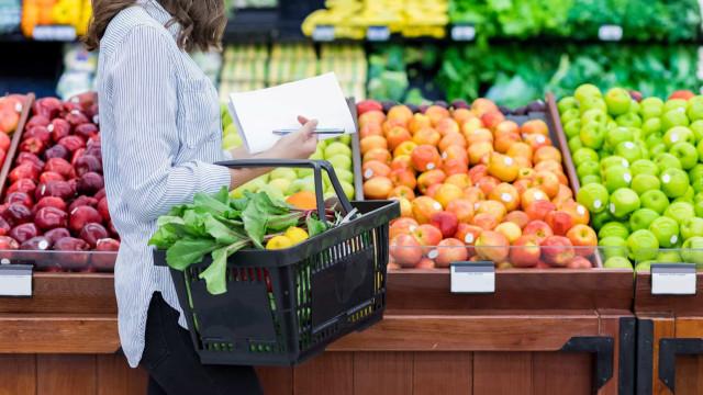 Compras: Saiba como escolher as melhores frutas e vegetais