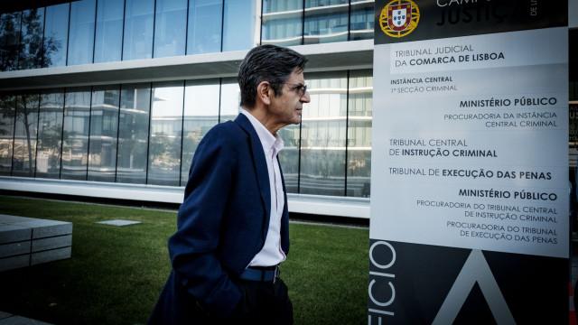 Audiência de Manuel Maria Carrilho adiada por lapso do Ministério Público