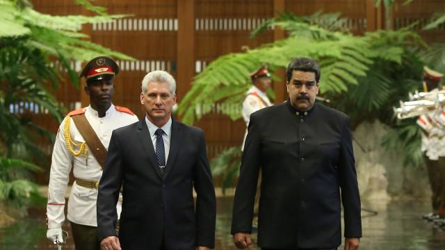 Novo Presidente cubano recebeu venezuelano Nicolás Maduro em Havana