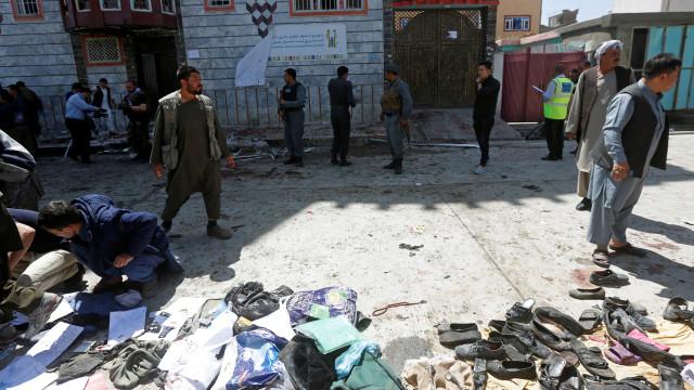 Sobe para 48 o número de vítimas mortais no atentado de Cabul